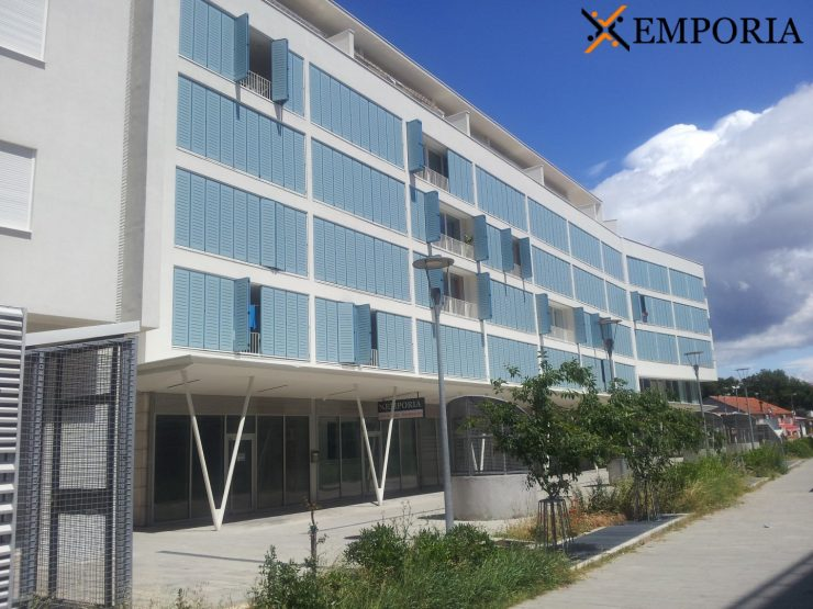 Business property B102 – Zadar, Relja