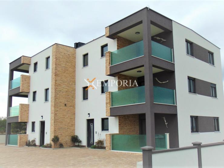 Apartment A317 – Vir