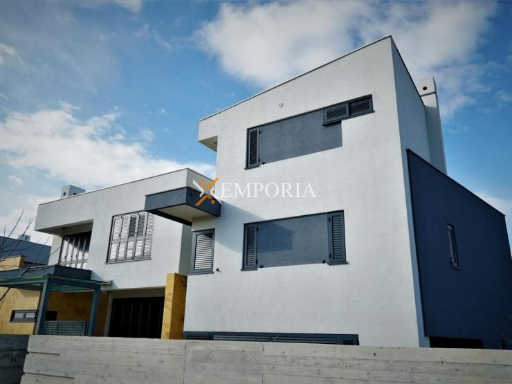 House H310 – Privlaka