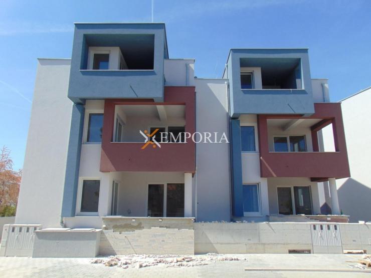 Apartment A356 – Vir