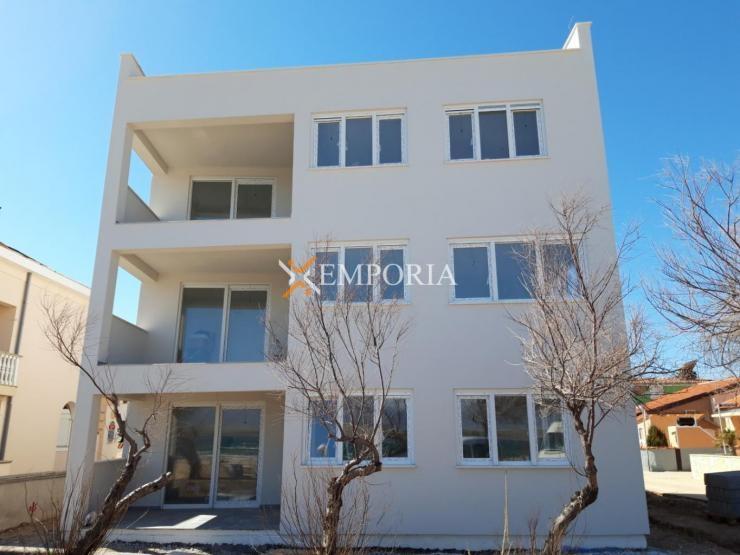 Apartment A412 – Vir