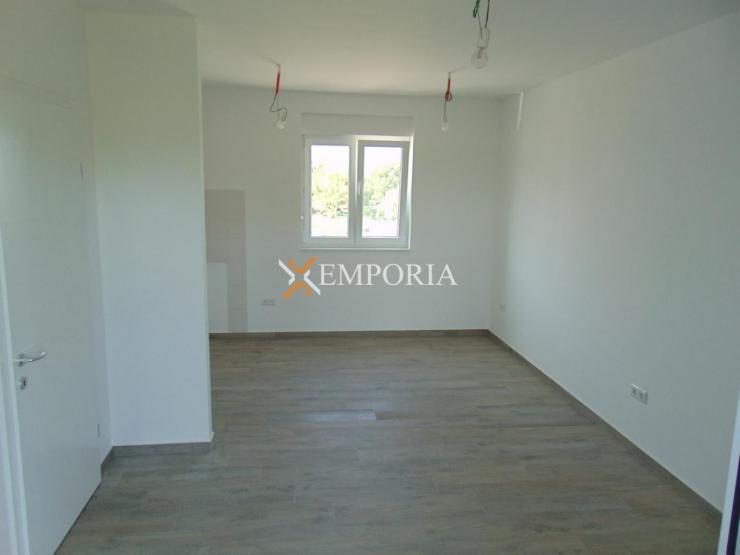Apartment A402 – Nin
