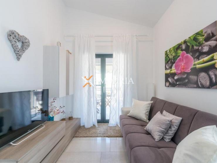 Apartment A422 – Vir