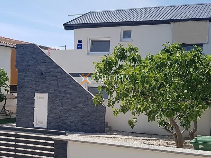 House H435 – Vir