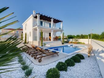 Kuća s bazenom Privlaka