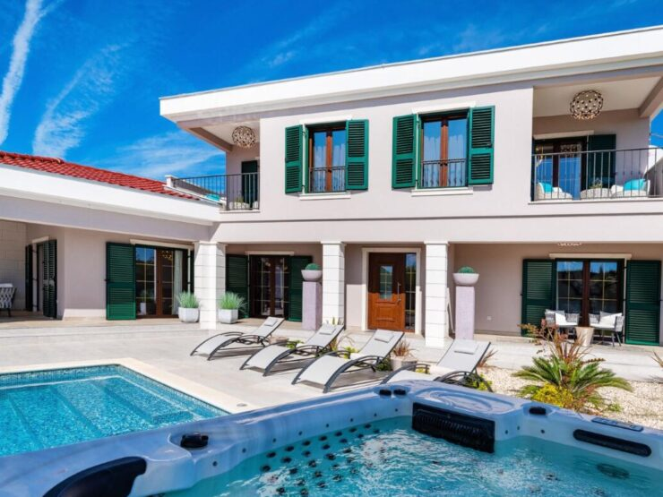 Villa H427 – Nin, Zaton