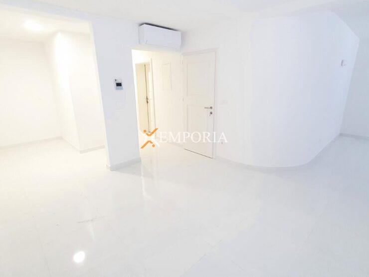 Apartment A448 – Vir